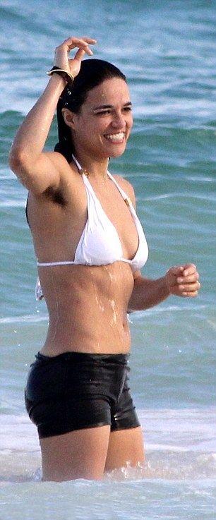 Michelle Rodriguez Hairy Armpit  Aisselles Poilus - Hairy -5752