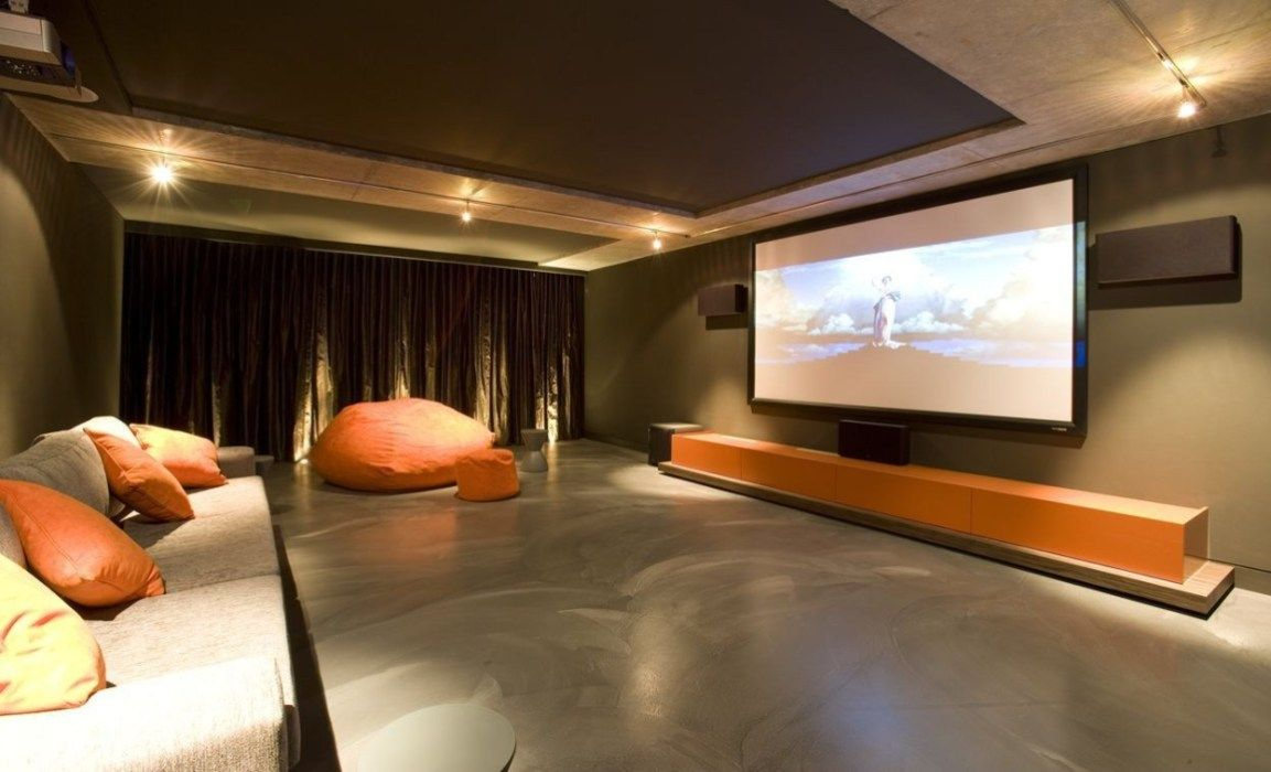 50 Basement Home Theater Design Ideas To Enjoy Your Movie Time With Family And Friends Godiygo Com Home Theater Seating Theater Room Ideas Small Small Home Theaters