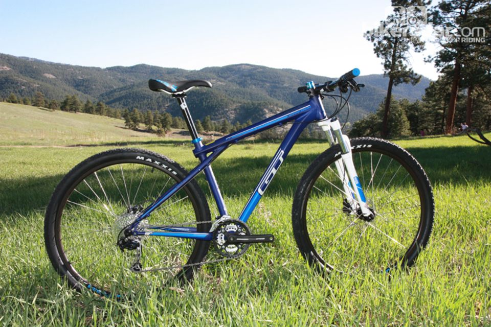Best Mountain Bikes Under 1 000 With Images Mountain Biking Best Mountain Bikes Bike