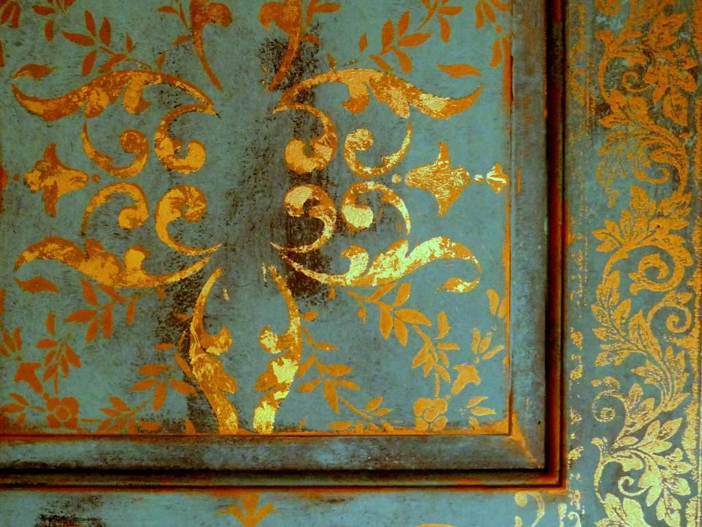 Venetian Design gold leafing and distressed door makeover ( call the girls over