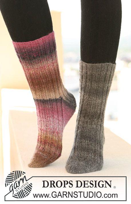 "DROPS socks in rib in ""Delight"". Size US ch13½-w10½ (EU 32-43 ..."
