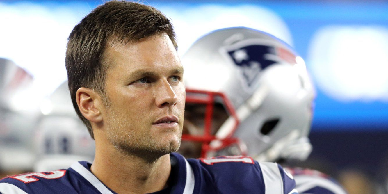 Tom Brady Contract Bonus With Patriots May Have Message About Nfl Future Business Insider Tom Brady New England Patriots Tom Brady Photos