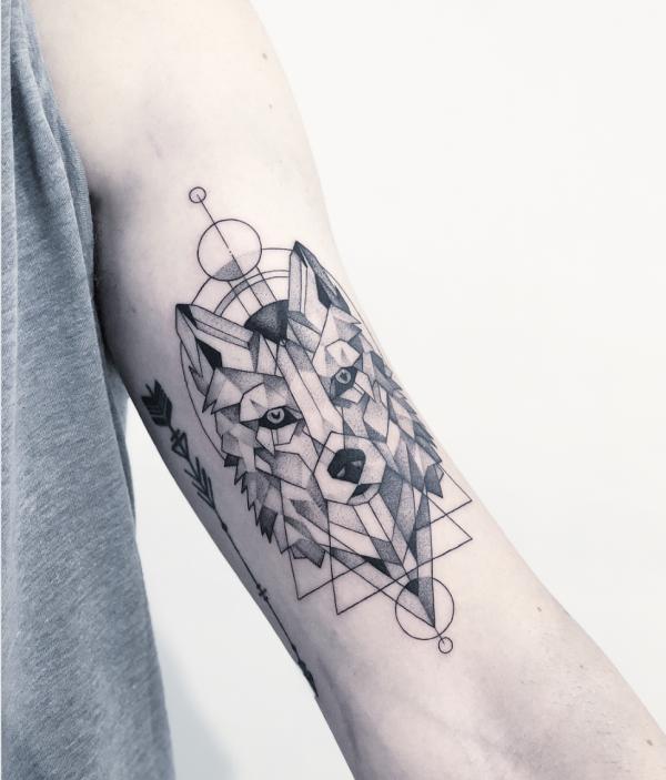 40 Intimidating Geometric Animal Tattoo Ideas 2ndmillennium Elephanthead Fashion Geometr Geometric Animal Tattoo Geometric Animals Geometric Wolf Tattoo