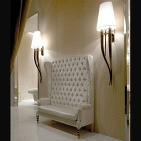 Nella Vetrina - SIEGFRID HIGH BENCH   #hamptons #decor #newyork #couch #furniture #design #home #interiordesign #nellavetrina http://nellavetrina.vedere.com/products/789