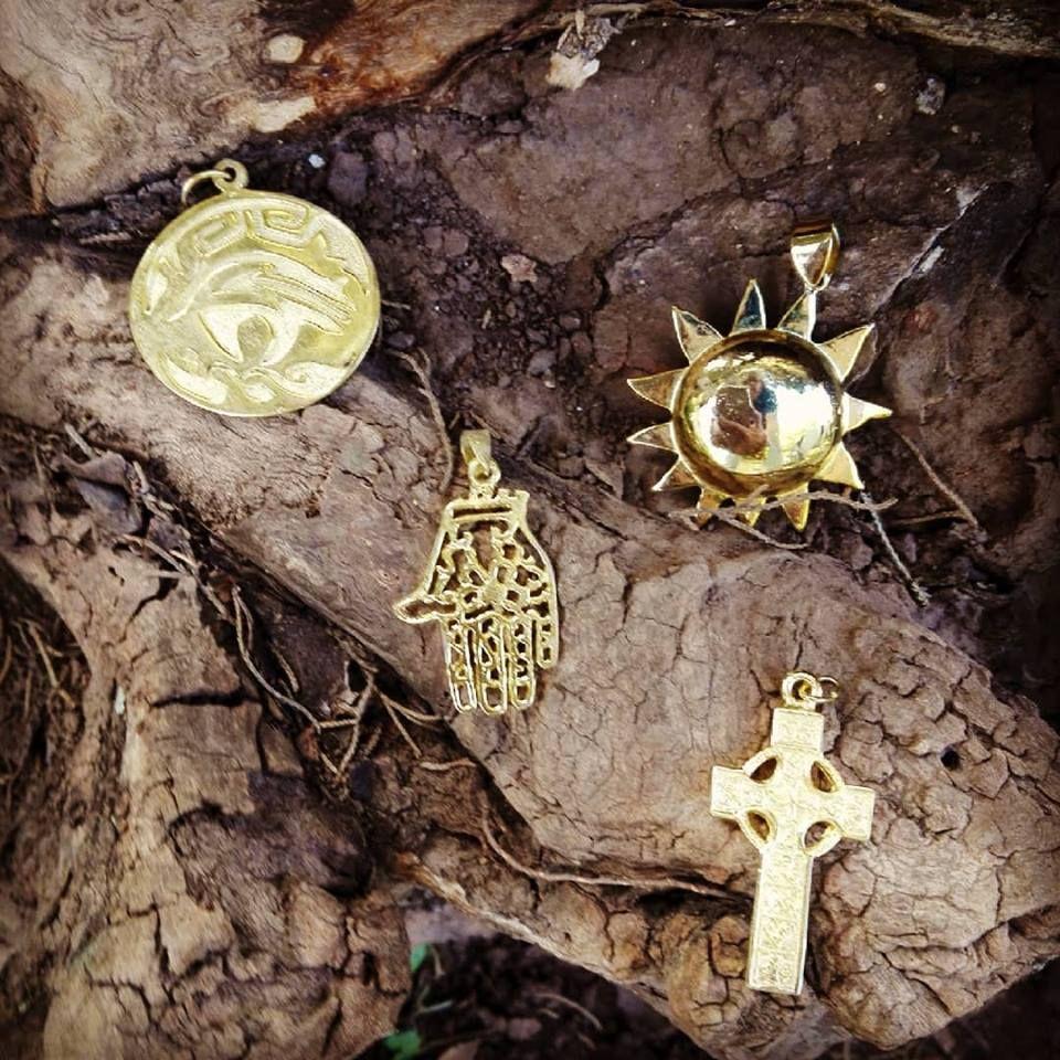 f04551bed29a Dije enchapados en oro Italiano  joyas  joyerías  accesorios  dijes   enchapado