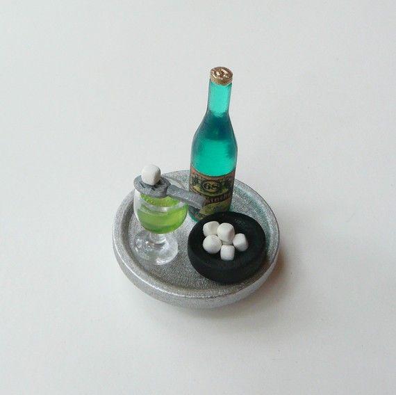 Miniature Champagne Glasses Set of 2 Fairy Garden Shadowbox Dollhouse NEW