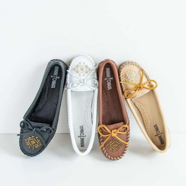 Deerskin Beaded Moc | Minnetonka Moccasin