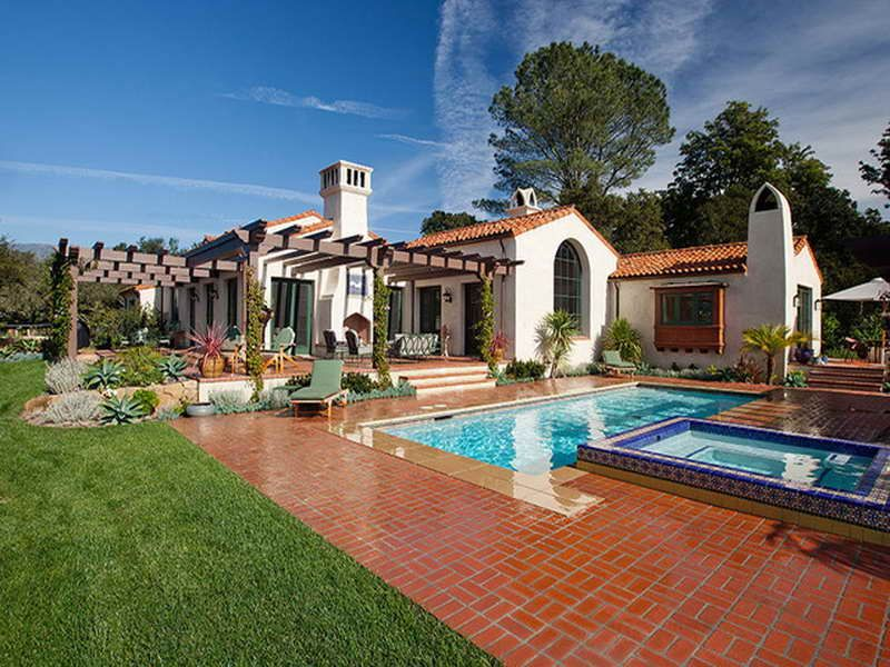 Spanish Style Ranch Homes With Fancy Pool Spanish Style Homes Hacienda Style Homes Mediterranean Style Homes