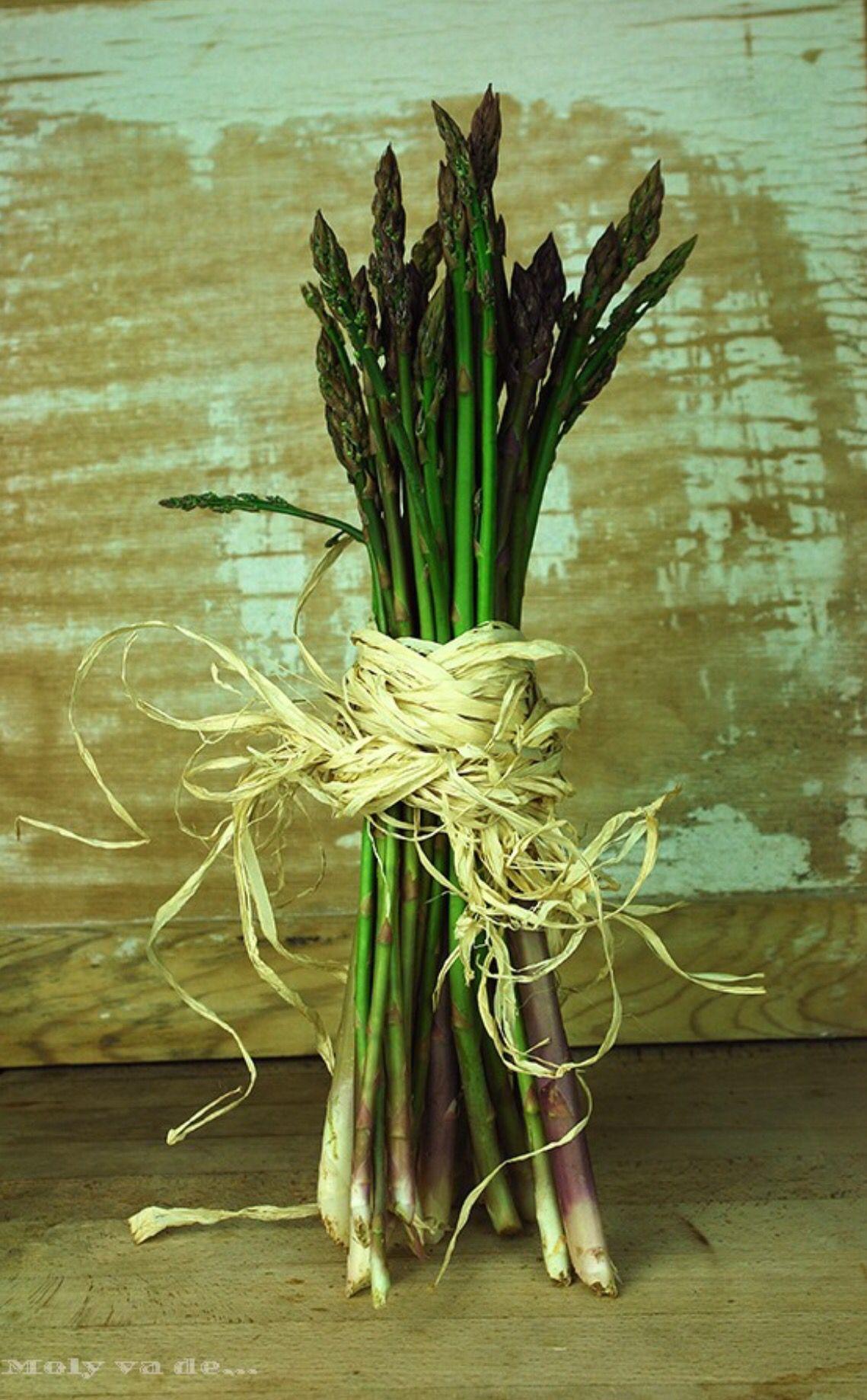 Los egipcios los ofrecían en ramos a los dioses #Molyvade...#cocinillas #Gazpacho de #trigueros ya tenemos nueva receta! molyvade.blogspot.com