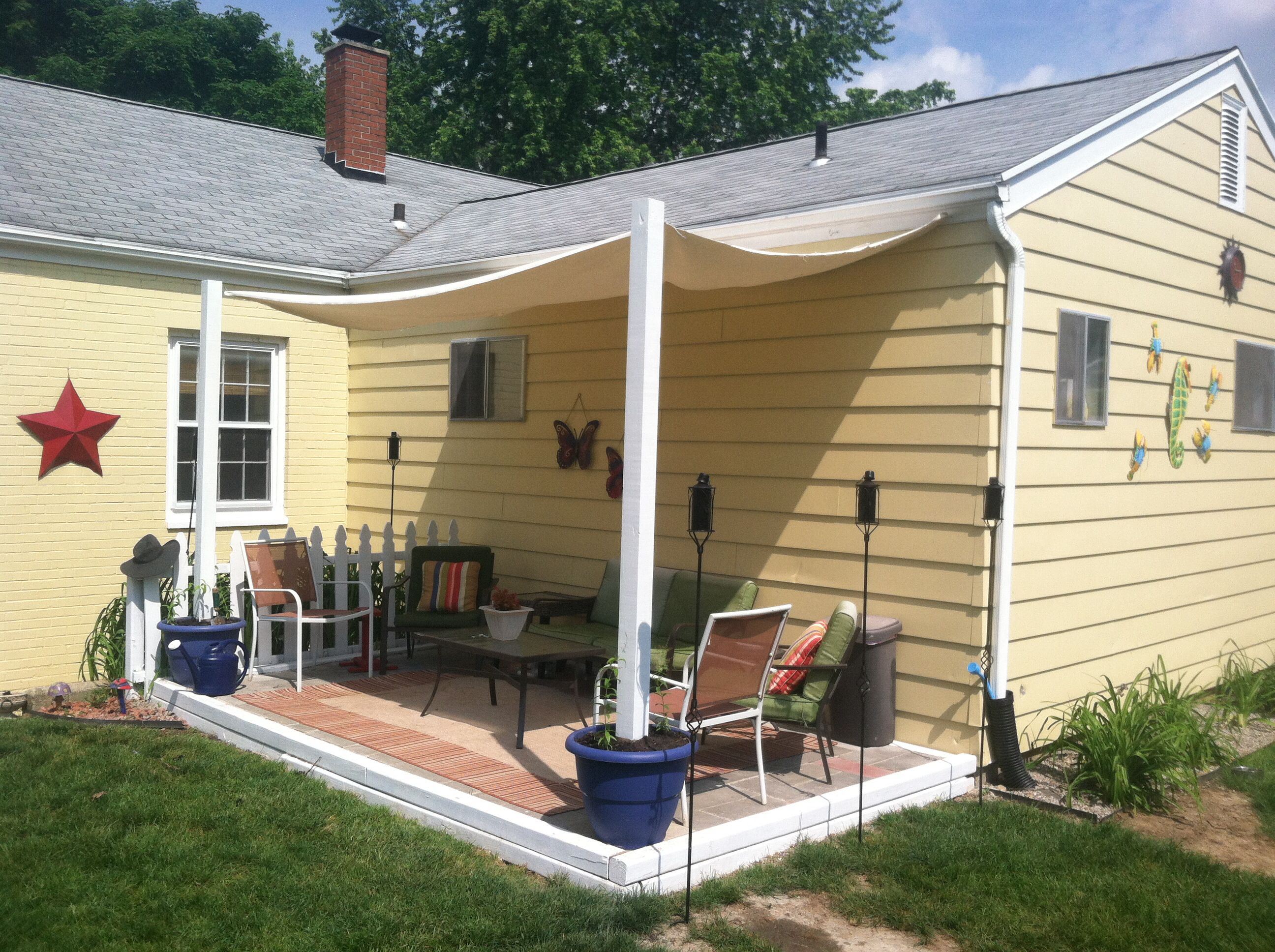 Diy Shade Canopy Using Planters Fence Posts Buckets Quick