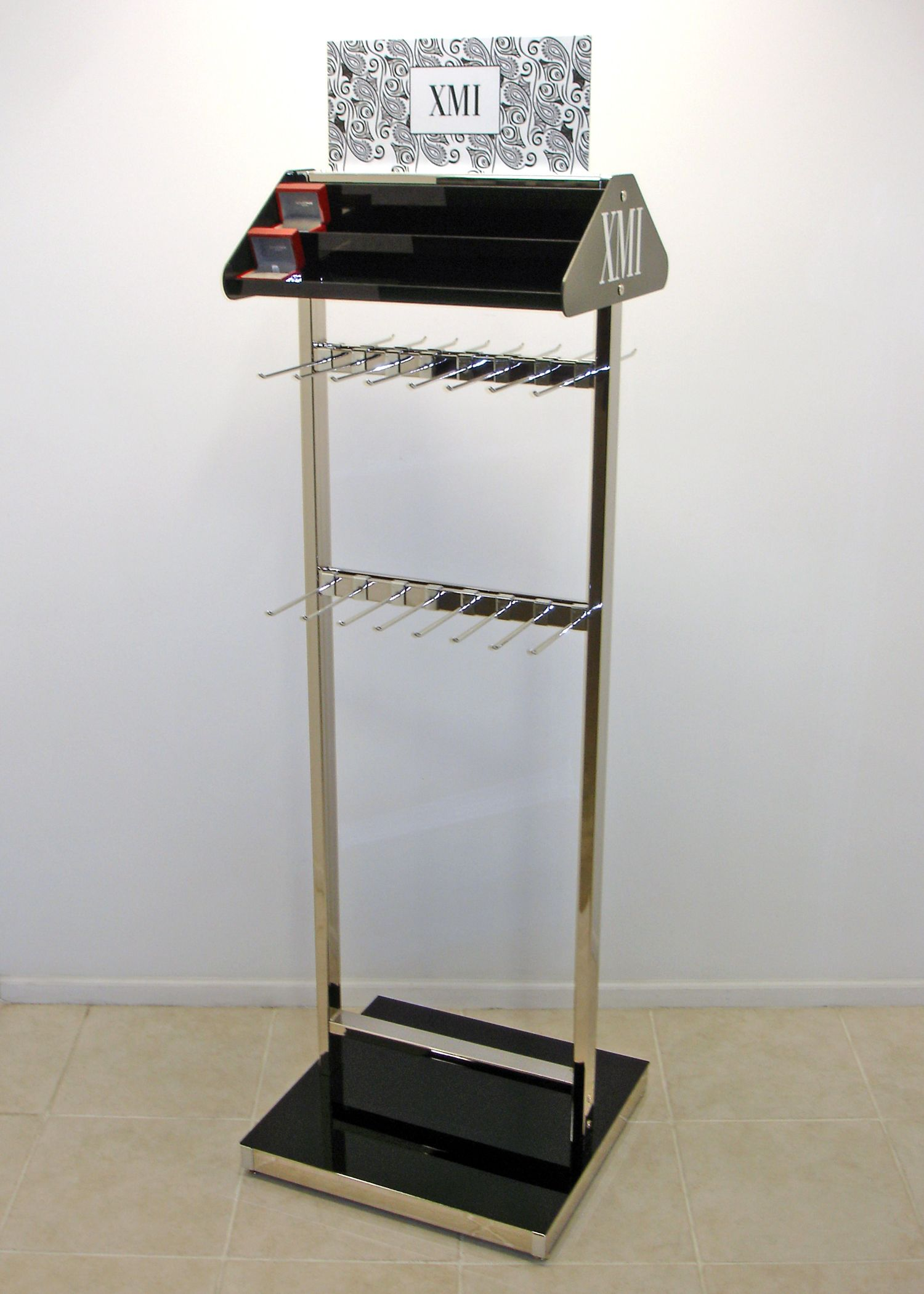 Exhibition Stand For Sale : Chrome belt wallet display posm pop point of purchase
