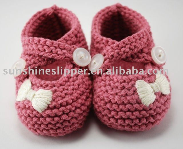 knitted baby shoes...