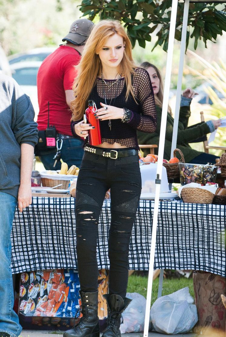 Watch Bella Thorne Goes Edgy Chic As She Arrives at The View video