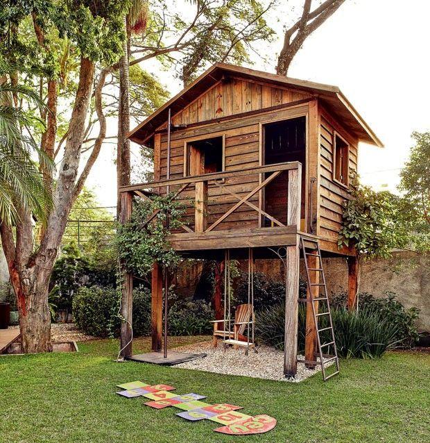 House In The Tree Wood Landscaper Odilon Clear Anni Green Hut Autoclave Pinus Pebbles Macico Of Moraines Jasmine Of Acores  (Photo: Victor Affaro / Editora ...