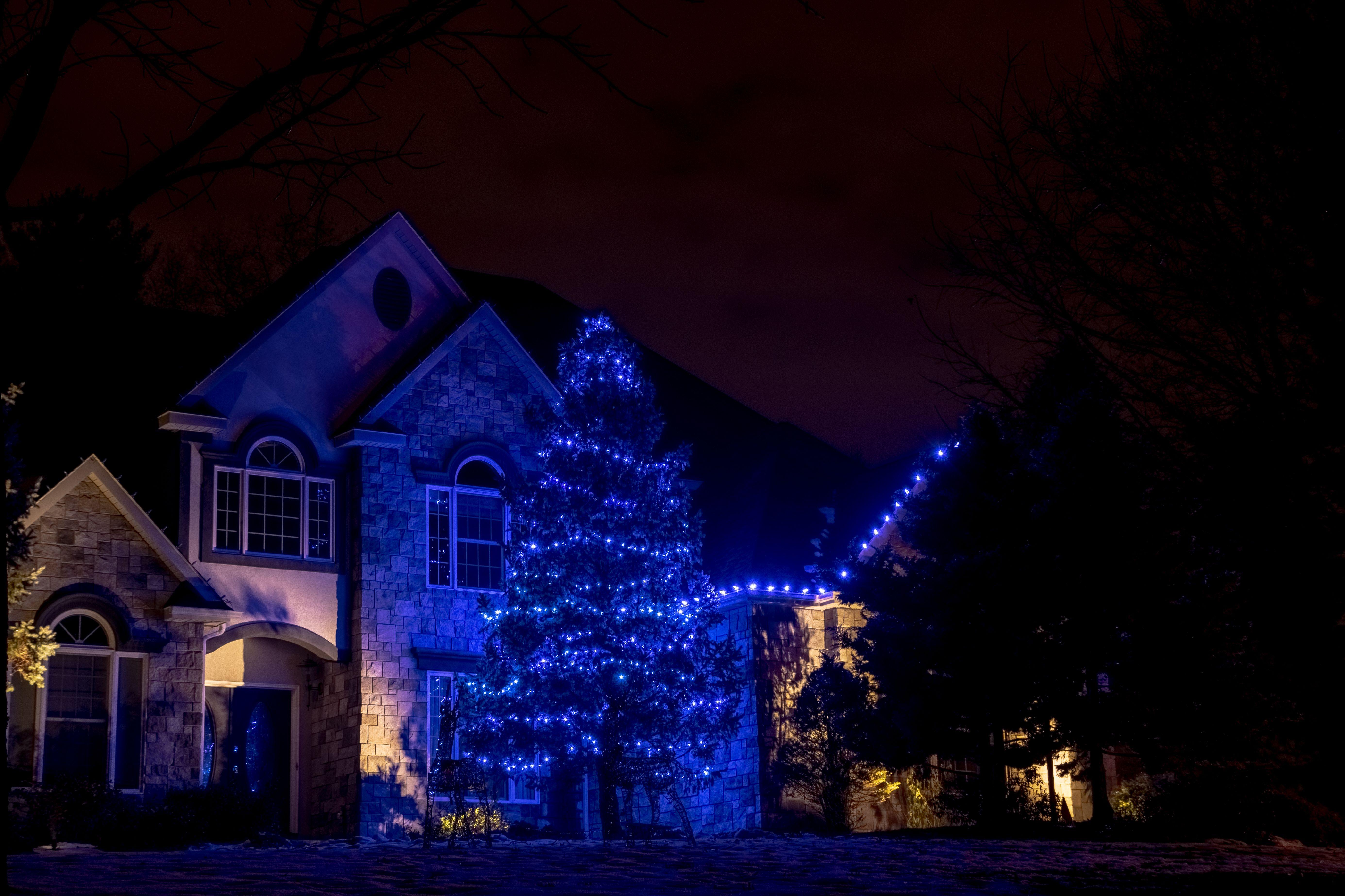 Decorating With Blue Led Christmas Lights Led Christmas Lights Exterior Christmas Lights Christmas Light Installation
