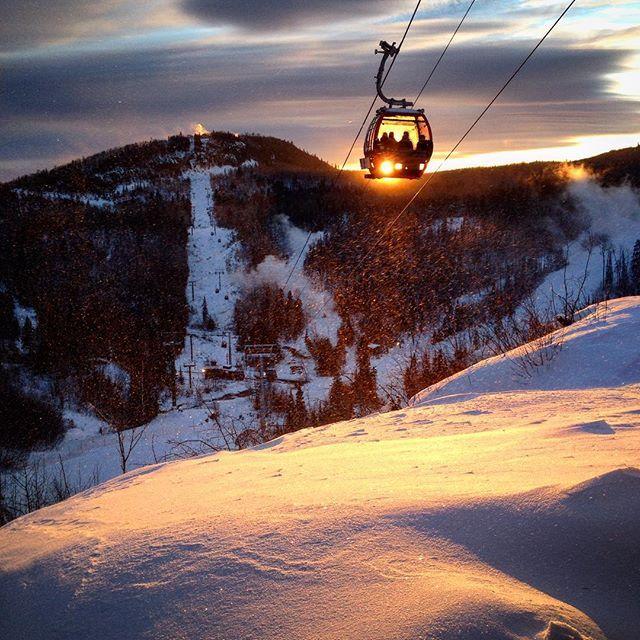 Hootsuite. @misha_elise  Even with windchill getting below -40 today people still got out and enjoyed #skiing and #snowboarding at #lutsenmountains ❄️ #bitterlycold #optoutside #ski #snowboard #winter #wintersport #captureminnesota #gondola #exploreminnesota #lutsen #minnesota #visitcc #nofilter #onlyinmn