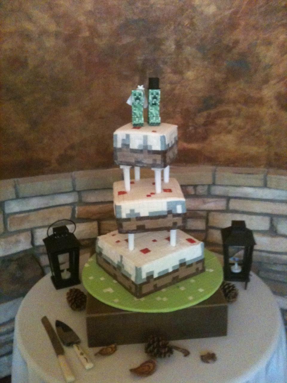 Minecraft Wedding Cake Topper