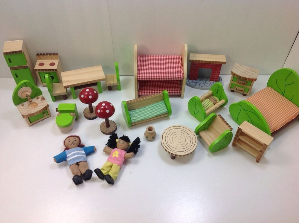 Lakeshore Wood Dollhouse Furniture 22pc Lot Two Dolls Green Leafs #Lakeshore