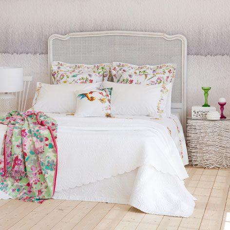 Colcha y funda de coj n jacquard flores colchas cama for Fundas cojines zara home