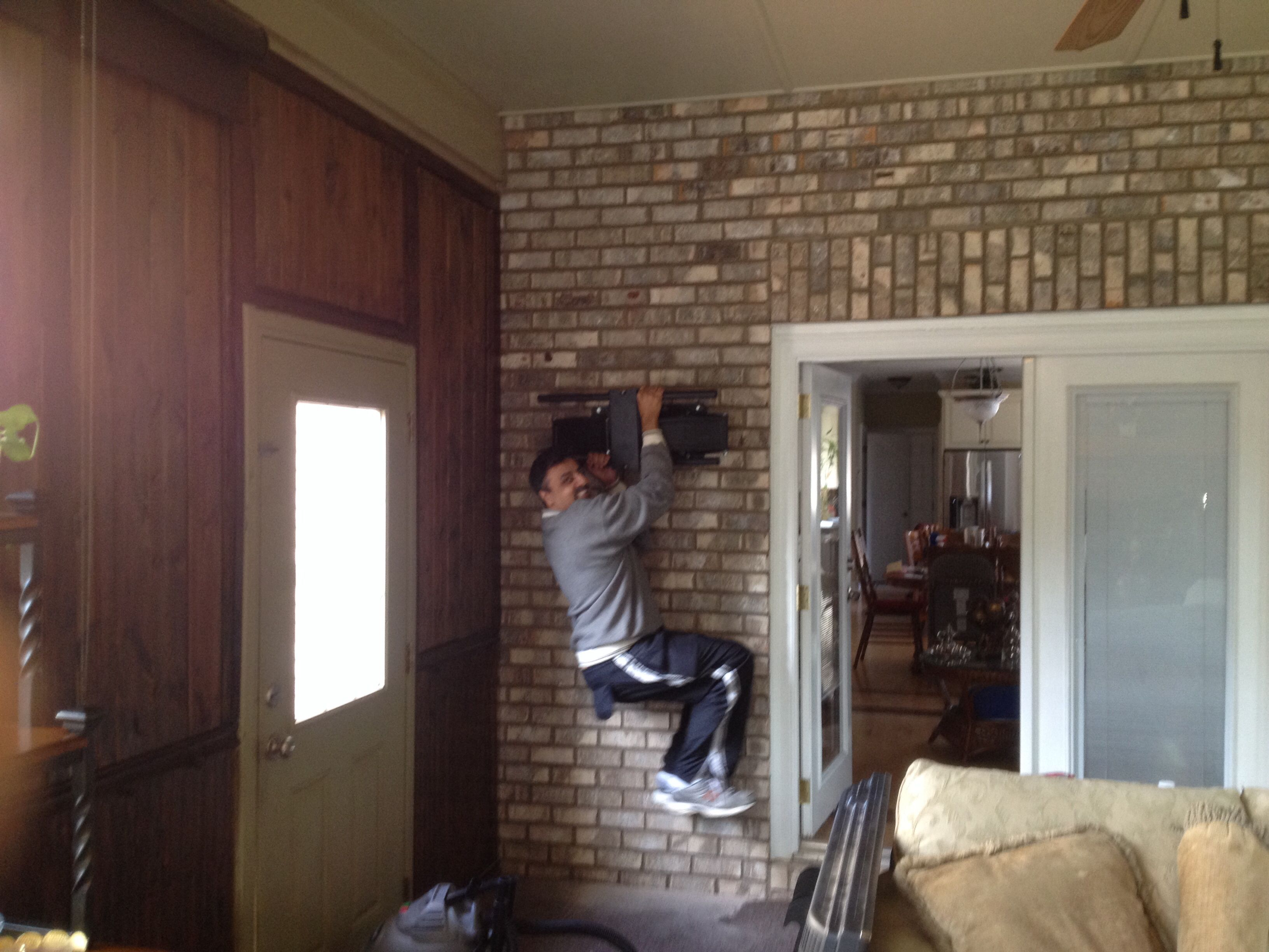 200 LB WEIGHT TEST FOR BRICK WALL FULL MOTION TV MOUNT INSTALLATION!  Charlotte Home