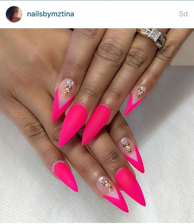 Hot Pink Stiletto Nails With Crystals Pink Stiletto Nails Pink Nails Beautiful Nails