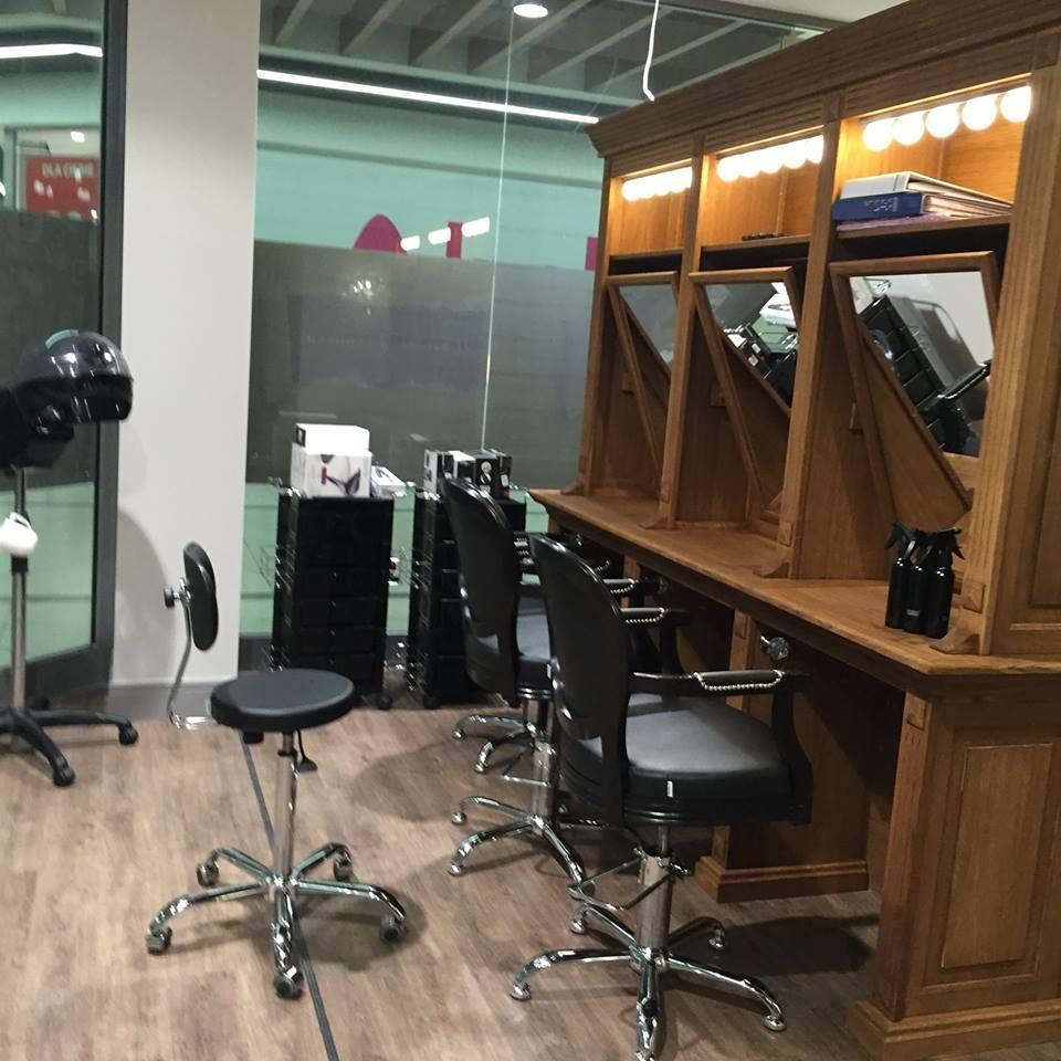 Ayala furniture Royal styling chairs. Barbershop idea. Salon inspiration. #Salonideas #Salondesign #Barbershop