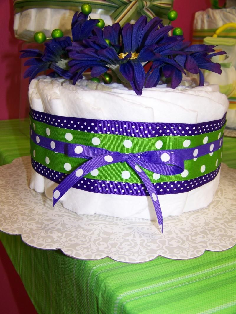 mini diaper cake Work baby showers, Mini diaper cakes