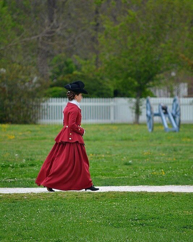 She is beautiful! colonialwilliamsburg colonial