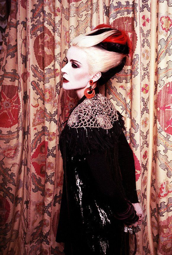 GOTH / PUNK / EMO Daphne guinness, Style icon, Daphne