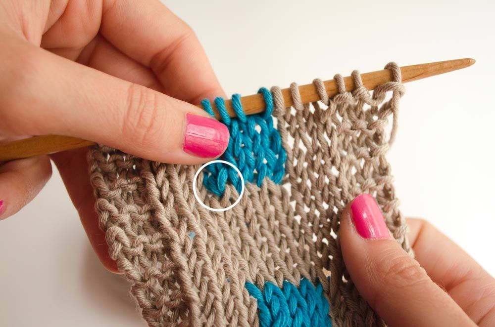 How to perfect color changes in Intarsia Changing colors