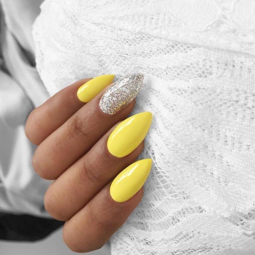 T A Y E E Z Y In 2020 Yellow Nail Art Yellow Nails Silver Nails