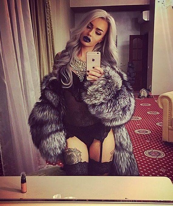 05e1cf637e Pin szerzője: Roxana Russo, közzétéve itt: Roxana wonderful fur world |  Fur, Fur Coat és Fox fur