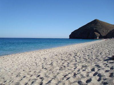 Playa de los Muertos, Carboneras, Almería  http://unosamigosdeparadores.blogspot.com.es/