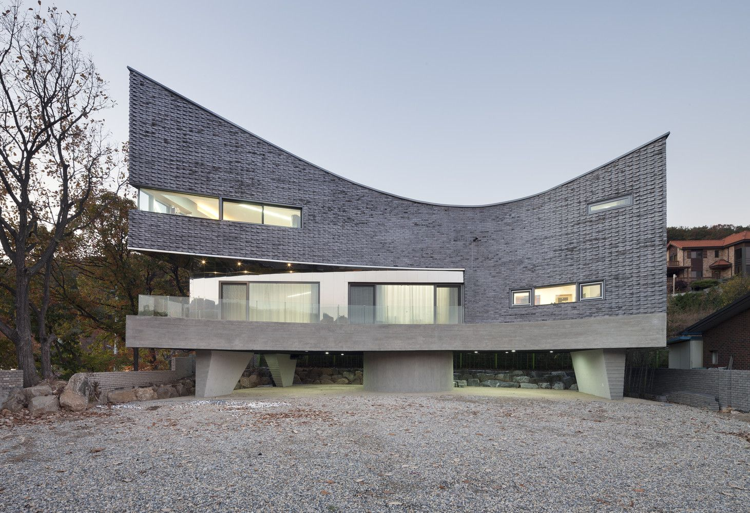 Gallery of the curving house joho architecture 1