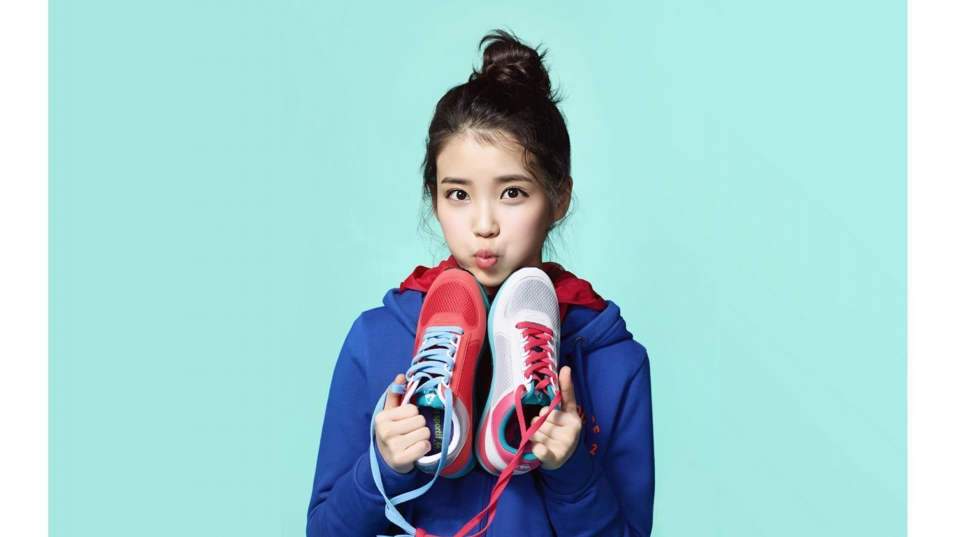 Iu Lee Ji Eun Korean Singer 1366x768 163251 Iu Hair Cute Wallpapers Quotes Kpop
