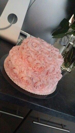 My selfmade whipcream mascarpone rose cake.