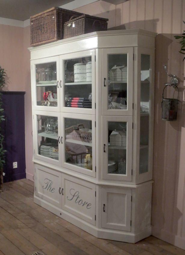 Das The Store Glass Cabinet Cabinet von Rivièra Maison. Erhältlich ...