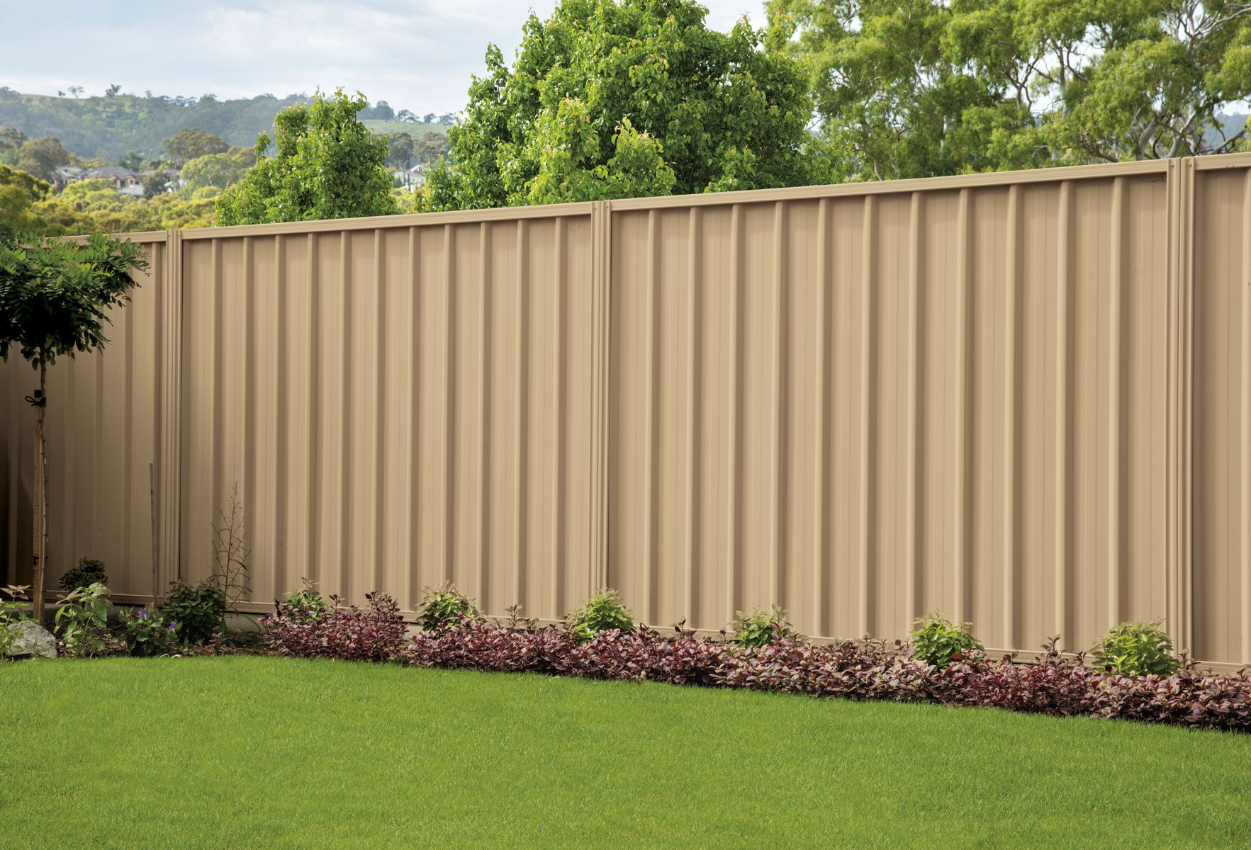 Good Neighbour® Fencing Stratco Good neighbor fence