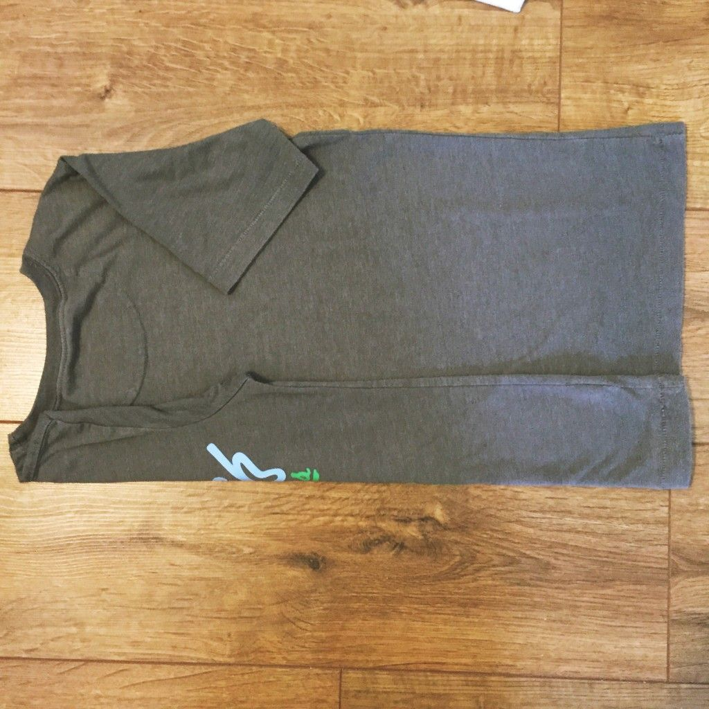 How to fold t shirts like they do in a store shirts t