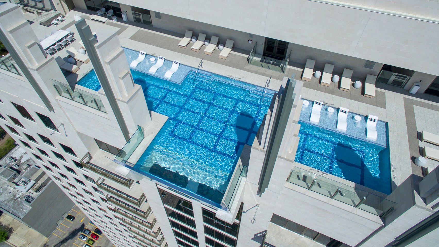 Glass Bottomed Sky Pool At Market Square Tower Houston Glass