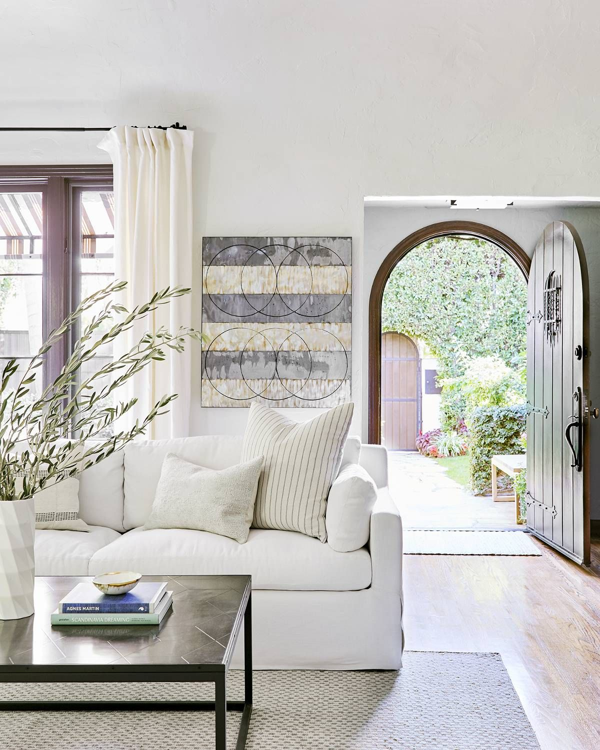 A 1920s Spanish Style Bungalow Gets A 120k Makeover Step Inside