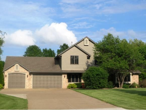 N192 Sunset Dr Appleton, WI 54914, Generous Size Home!