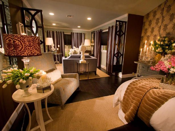 Designer Tips For An Ideal Bedroom Layout Large Bedroom Layout Master Bedroom Layout Bedroom Layouts