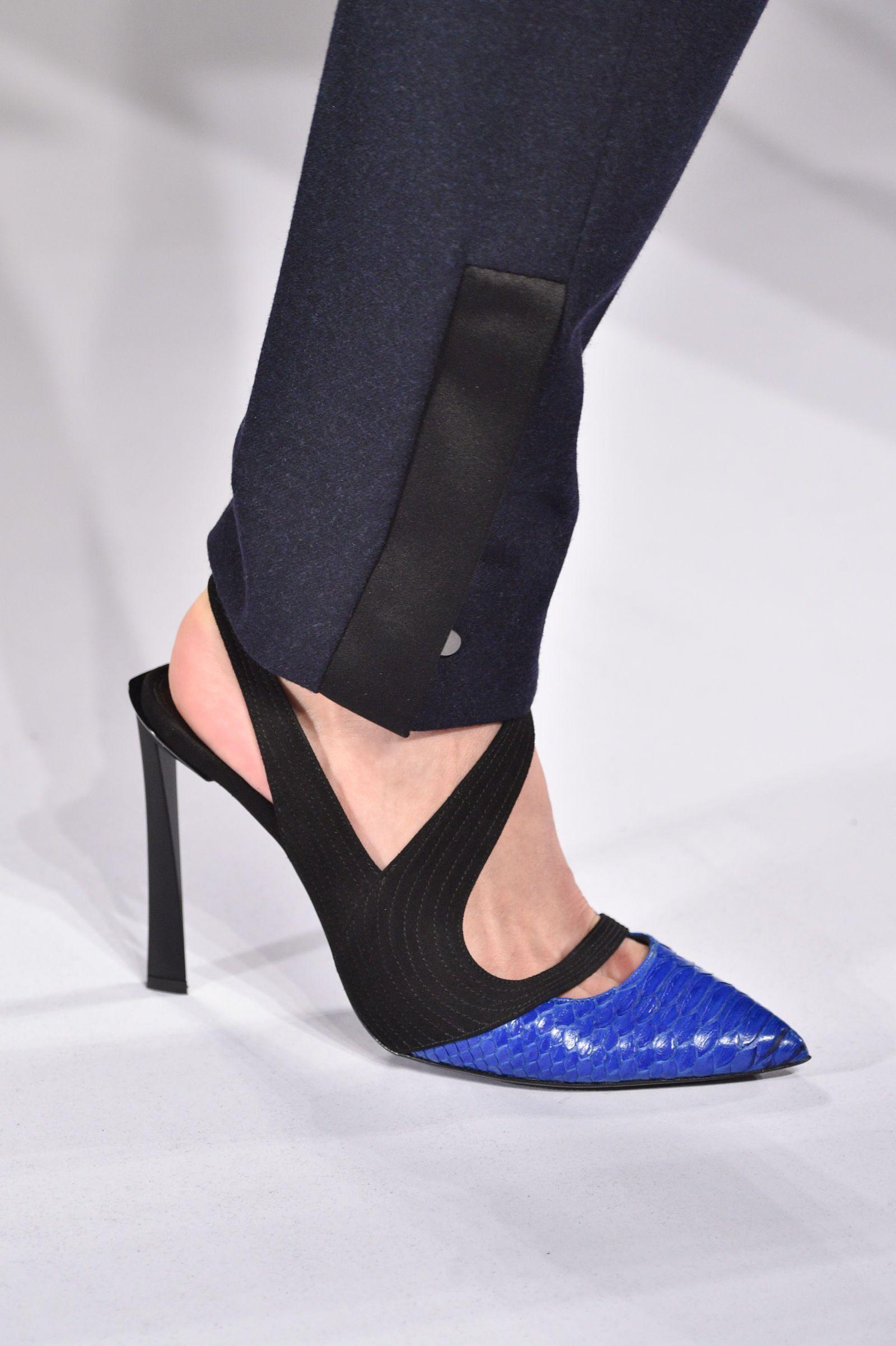 Le scarpe che detteranno la moda il prossimo inverno 2019 tra grandi  classici e colpi di fulmine - Gioia.it 6e5a50d08ce