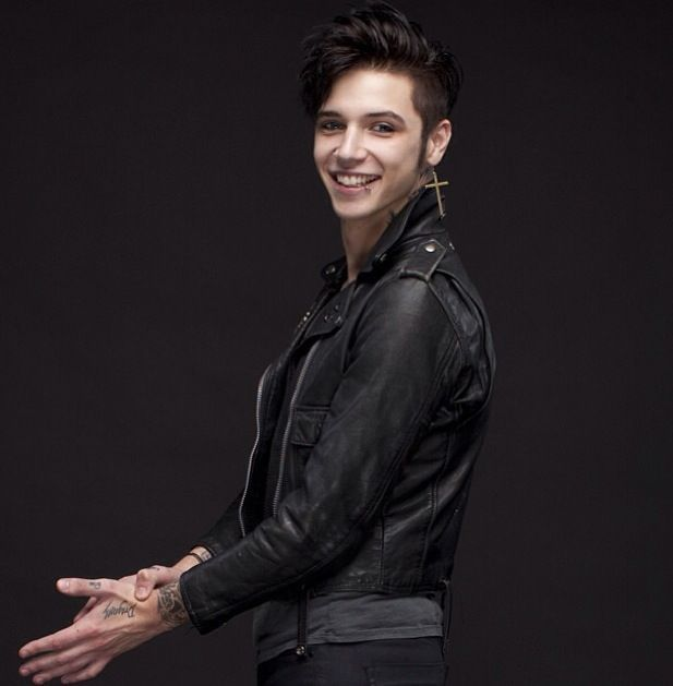 Andy Biersack Wallpaper Iphone Google Search Andy Biersack Andy Biersak Andy Black