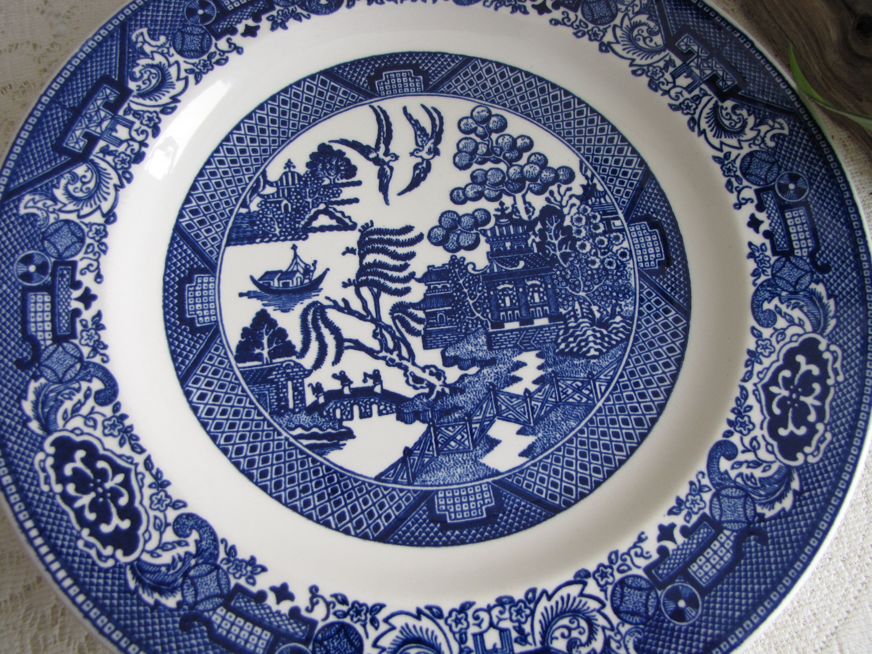 Blue Willow Dinner Plates Royal China Set of Five (5) Vintage Dinnerware and Replacements & Blue Willow Dinner Plates Royal China Set of Five (5) Vintage ...