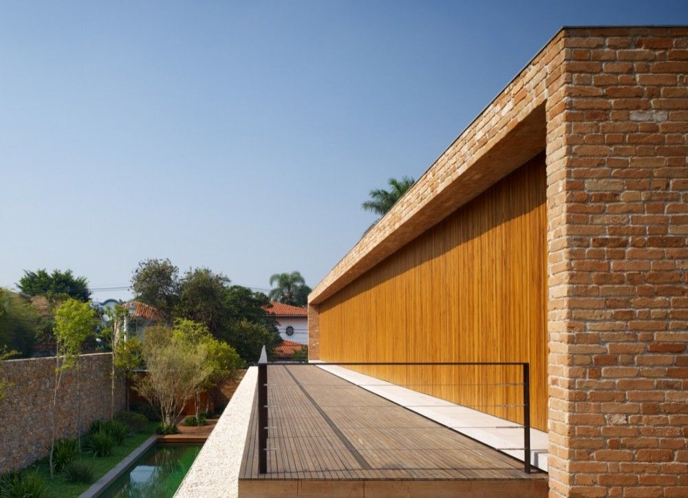 Brick House / Marcio Kogan