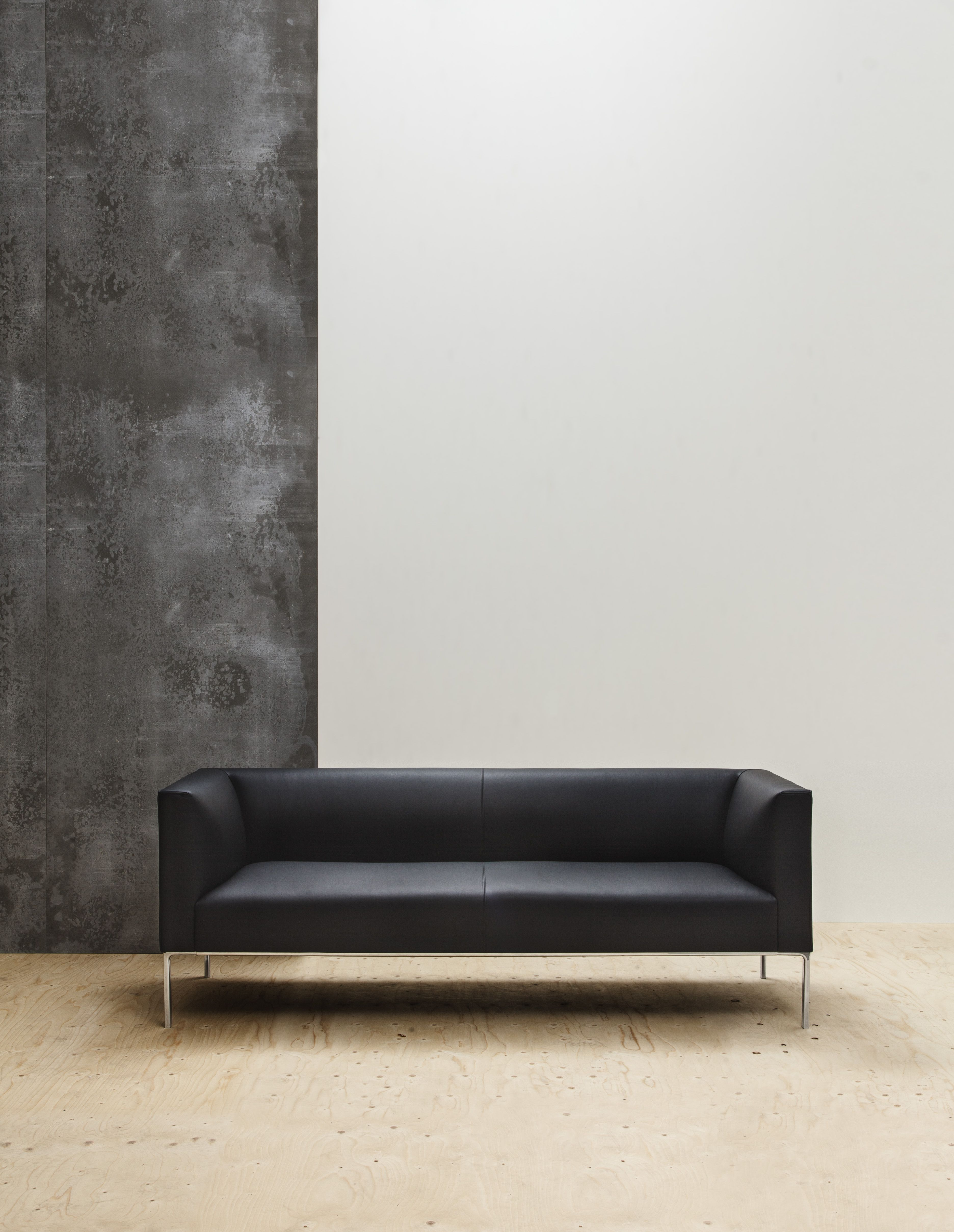 Raglan Is A Modular Sofa System Designed For Collaboration Areas In Corporate Public And Private Spaces Highlighted For Its Sofa Modular Sofa Lounge Seating