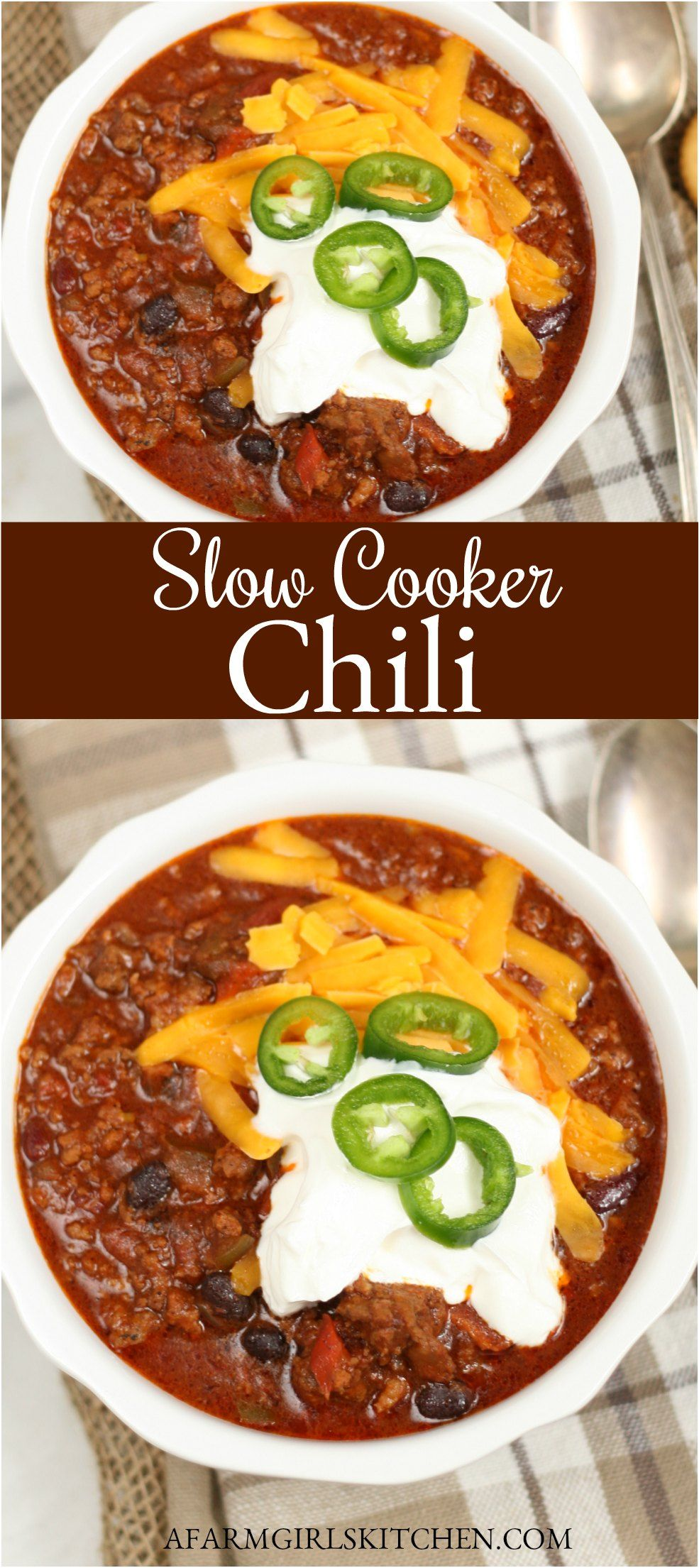Slow Cooker Chili A Farmgirl S Kitchen In 2020 Beef Chili Recipe Ground Beef Chili Recipes Homemade Chili Recipe