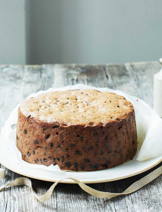 Whisky Ginger Christmas Cake Recipe Recipe In 2020 Christmas Cake Recipes Fruit Cake Design Fruit Cake